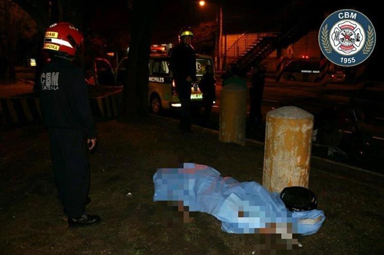 Un niño de 10 años falleció en un incidente de tránsito cuando iba en una motocicleta con su hermano. (Foto Prensa Libre: CBM)