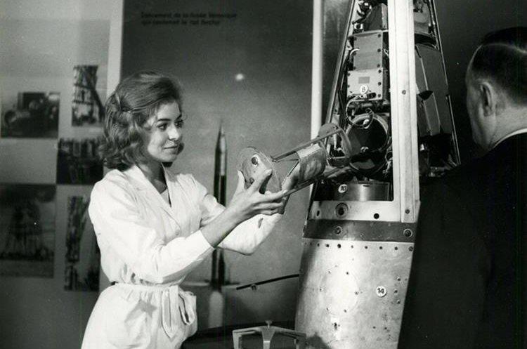 Foto del 22 de febrero de 1961 muestra el cohete francés Veronique en el cual viajó la rata Héctor. (Foto Prensa Libre: AFP)