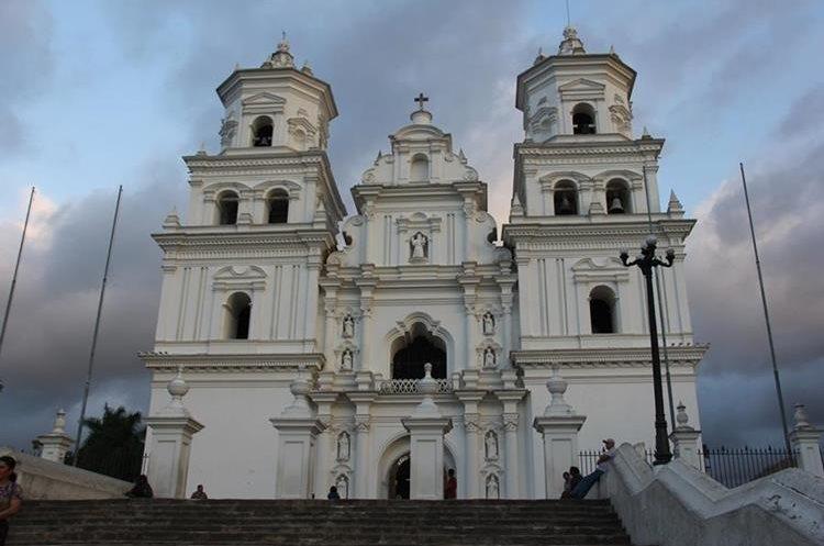 A partir de este miércoles cientos de personas empiezan a visitar la Basílica de Esquipulas. (Foto Prensa Libre: Cortesía Inguat)