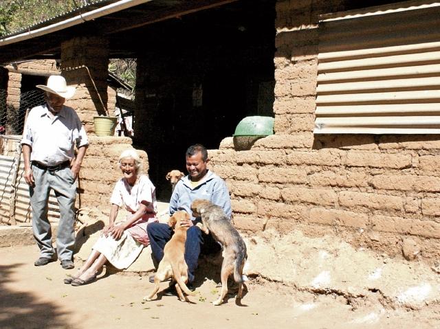 Varias Familias son afectadas por la sequía en comunidades de El Progreso. Desde el 2014, la lluvia ha sido irregular en esa área. (Foto Prensa Libre: Héctor Contreras).