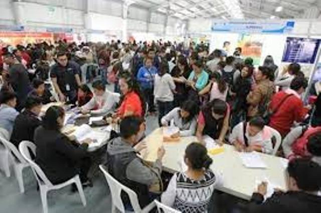 Las ferias de empleo ayudan a los jóvenes a encontrar una oportunidad laboral. (Foto Prensa Libre: Hemeroteca PL)