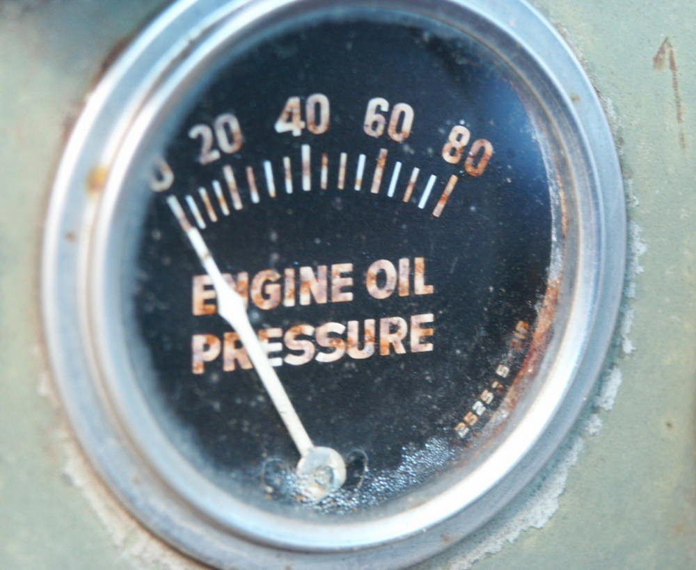 small resolution of how the oil pressure gauge works