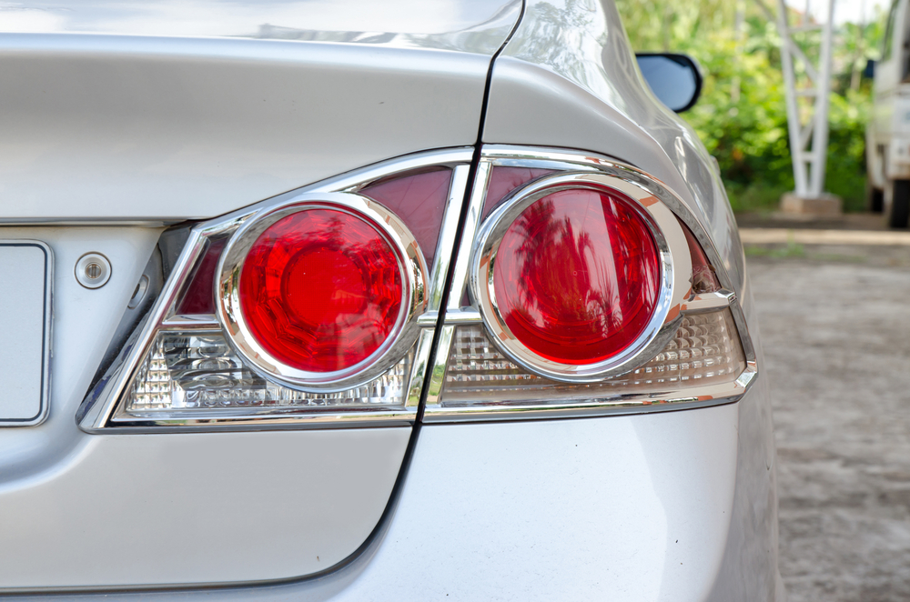 trailer light module fault xlr y connector 4 essential things to know about your car s tail lights