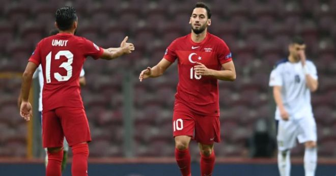 Man Utd dangle tempting contract to Turkey star after derisory first offer