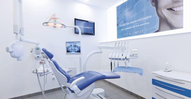 Las clnicas dentales sonren al negocio en el exterior
