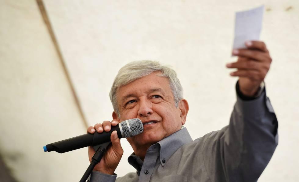 Andrés Manuel López Obrador, precandidato de Morena a la presidencia de México.