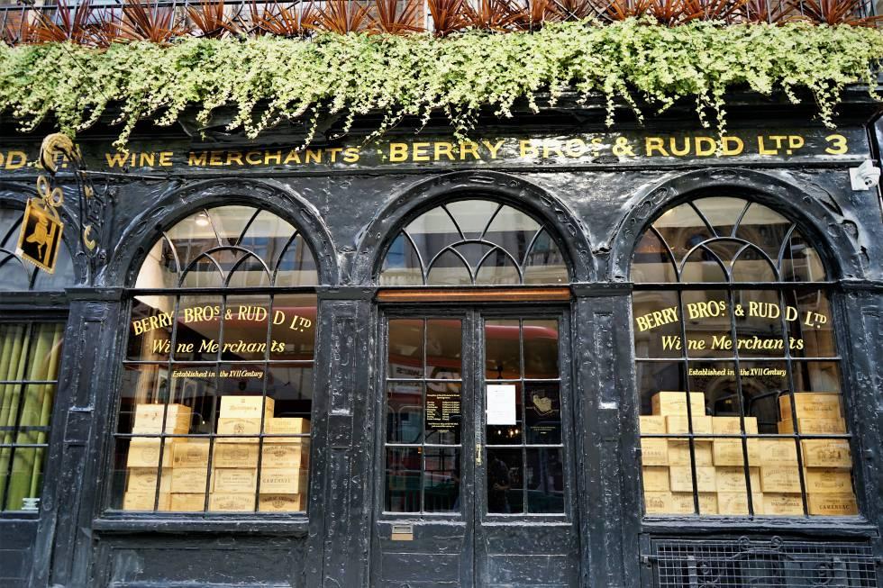 Escaparate de la tienda de vinos Berry Bros & Rudd.