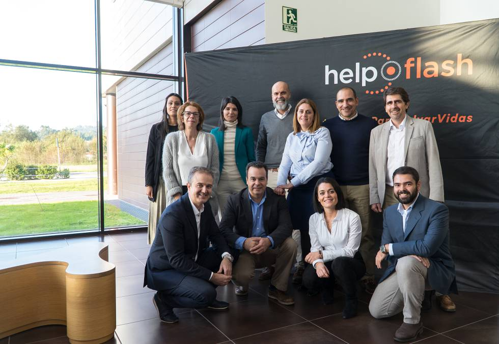 Equipo fundacional de Help Flash.