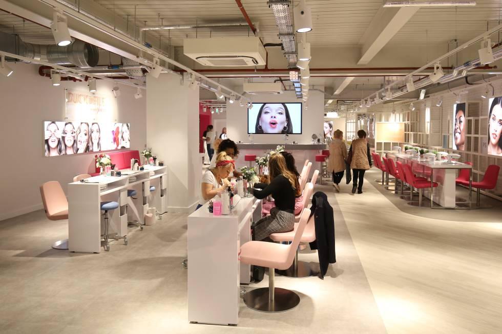 El salón de belleza de la nueva tienda de Primark.