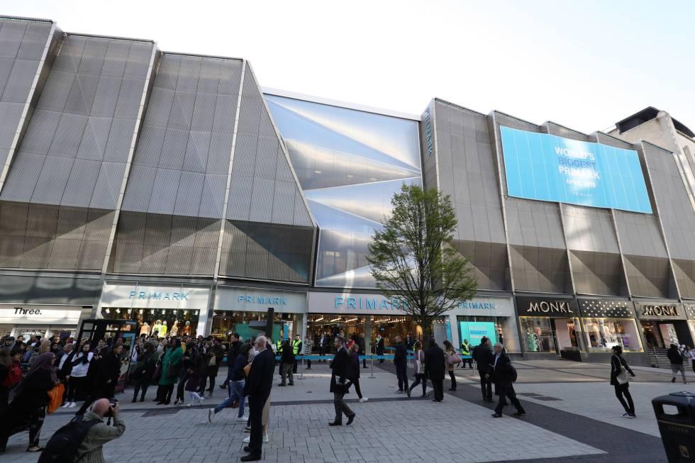 Exterior de la tienda de Primark más grande del mundo, en Birmingham.
