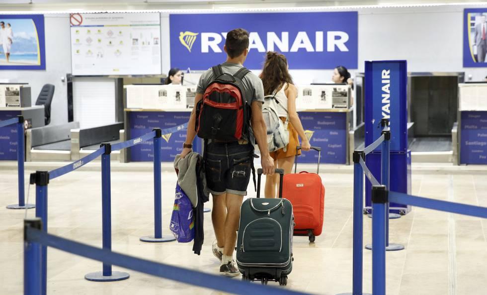 Ryanair, Iberia y Vueling se reparten 3 millones de nuevos viajeros en España