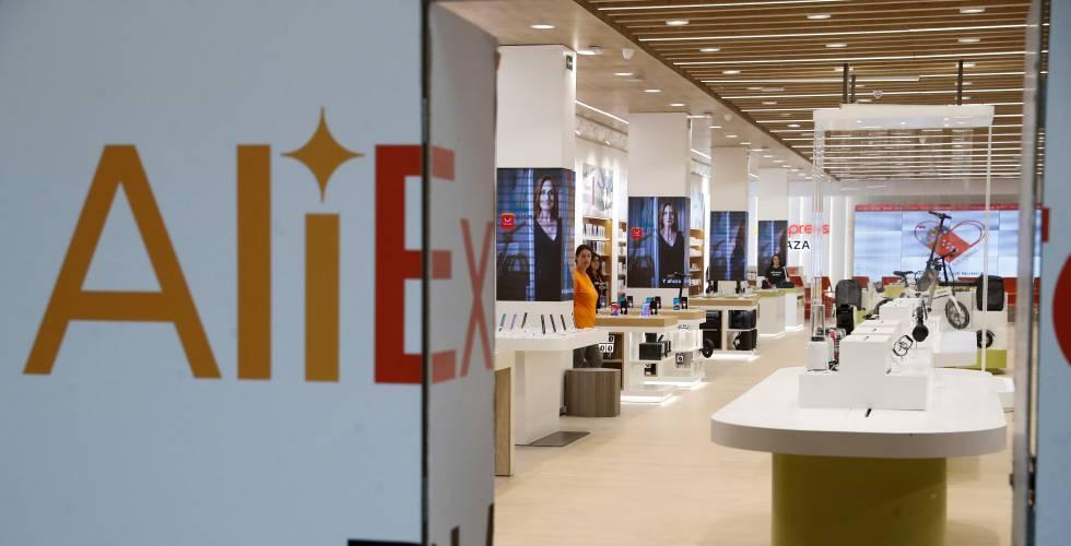 Interior de la tienda de Aliexpress en el centro comercial Xanadú, en Arroyomolinos (Madrid)
