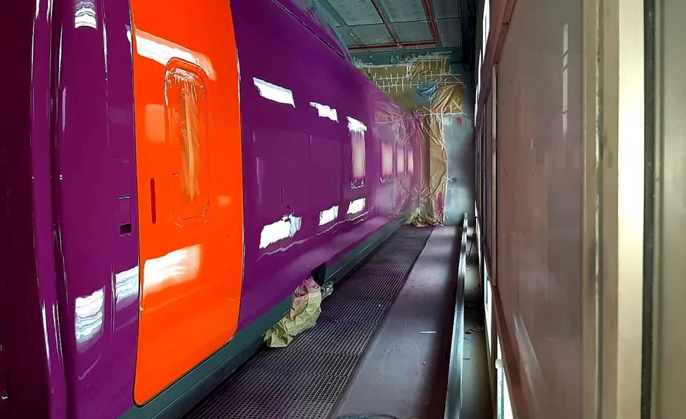 Para las puertas del nuevo tren de Renfe se ha elegido el color naranja.