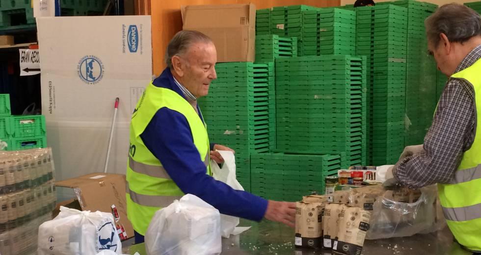 Voluntario del Banco de Alimentos en Madrid.