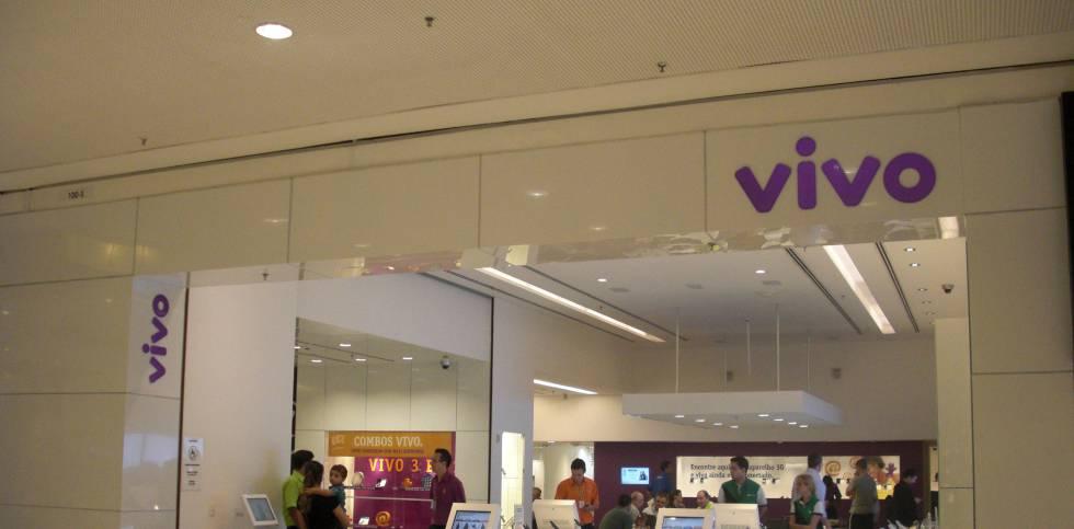 Telefónica Brasil reduce beneficios por la falta de extraordinarios pero bate previsiones