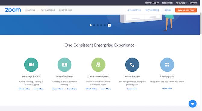 Une section sur la page d'accueil de Zoom qui explique comment le logiciel offre une expérience d'entreprise cohérente avec les réunions et le chat, le webinaire vidéo, les salles de conférence, le système téléphonique et le marché.