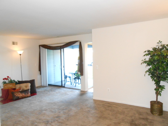 Schooner Cove Apartments  Apartments in Ypsilanti
