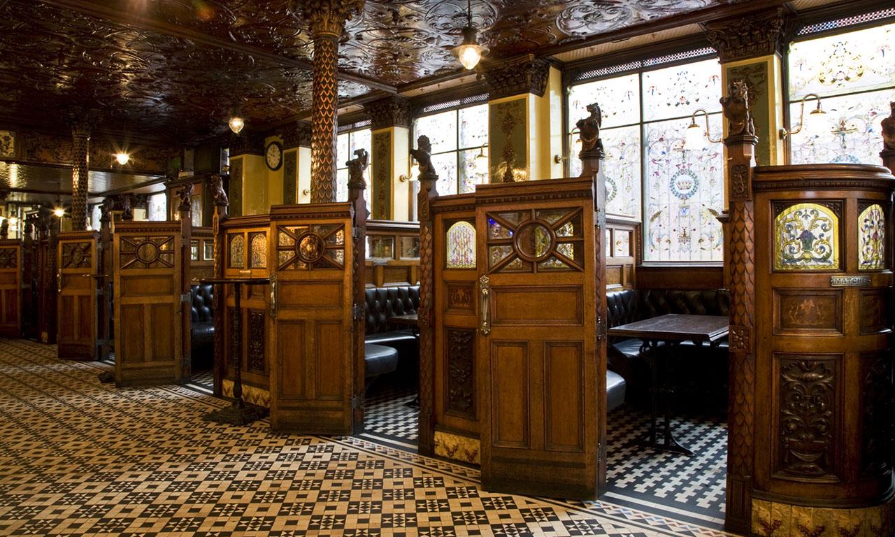 The Crown Liquor Saloon Belfast contea di Antrim