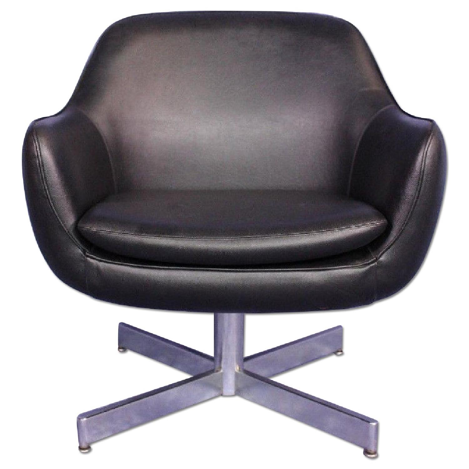 eames leather chair dining damask banquet covers faux black lounge office aptdeco