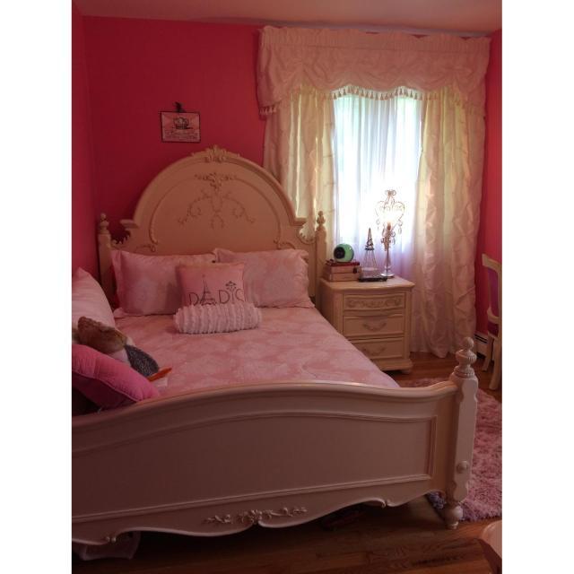 Jessica Mcclintock Romance Collection 4 Piece Bedroom AptDeco
