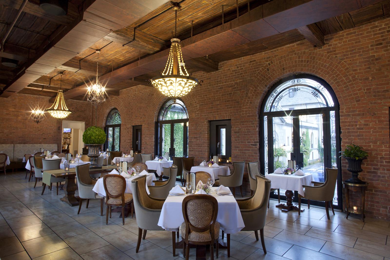 5 Long Island Romantic Restaurants for Date Night Perfection