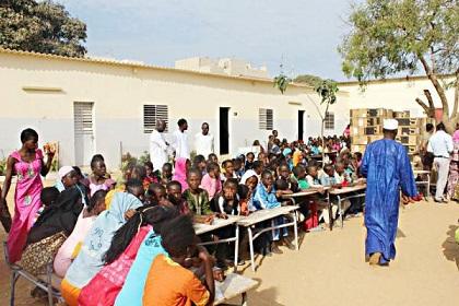 Macron à Dakar avec la crème de la Diaspora sénégalaise — Visite officielle