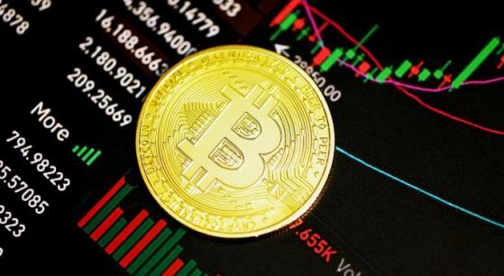 Bitcoin rises, analyst on Twitter: