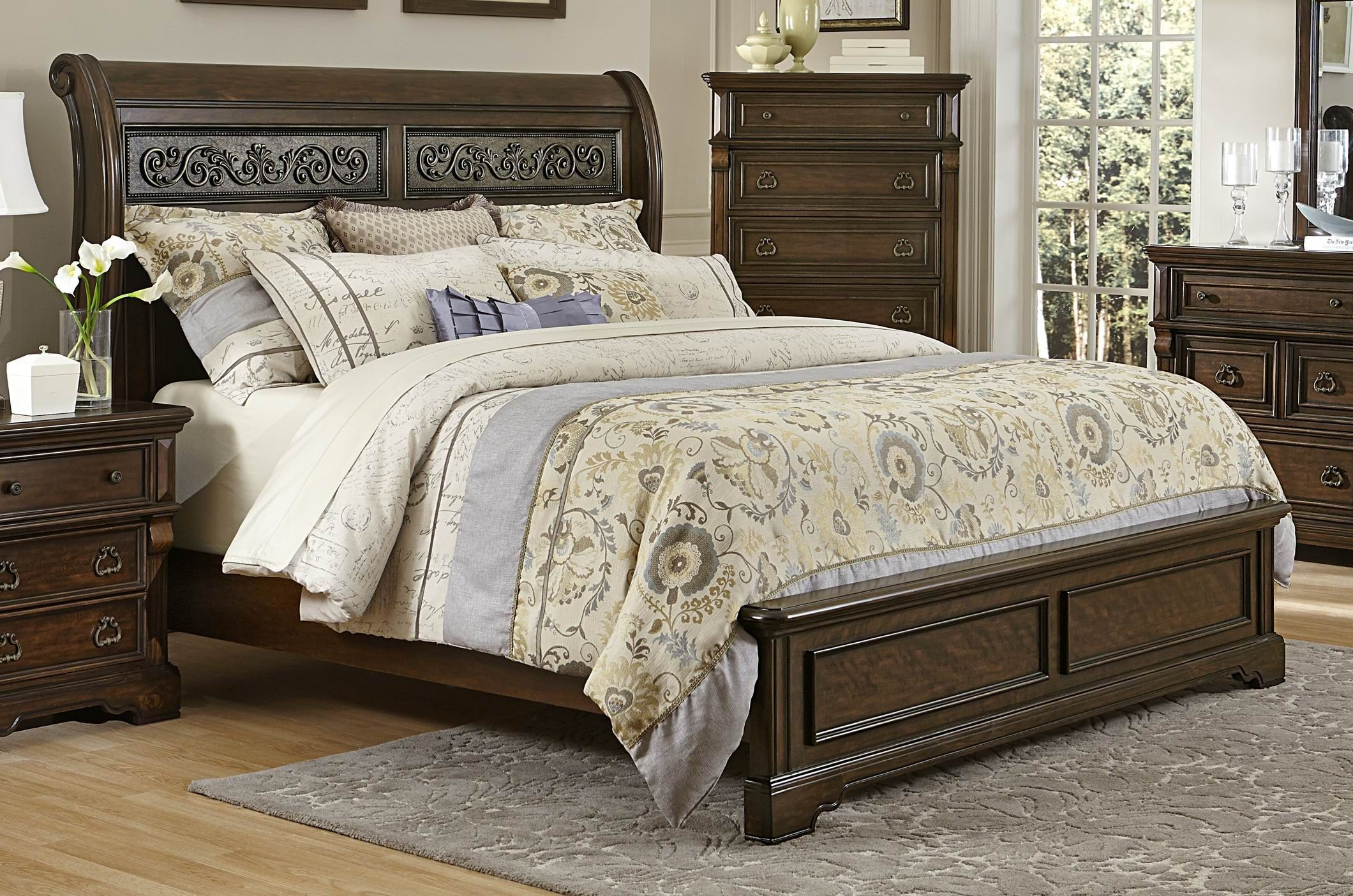 Calloway Park Warm Cherry King Platform Bed Kn 1ek