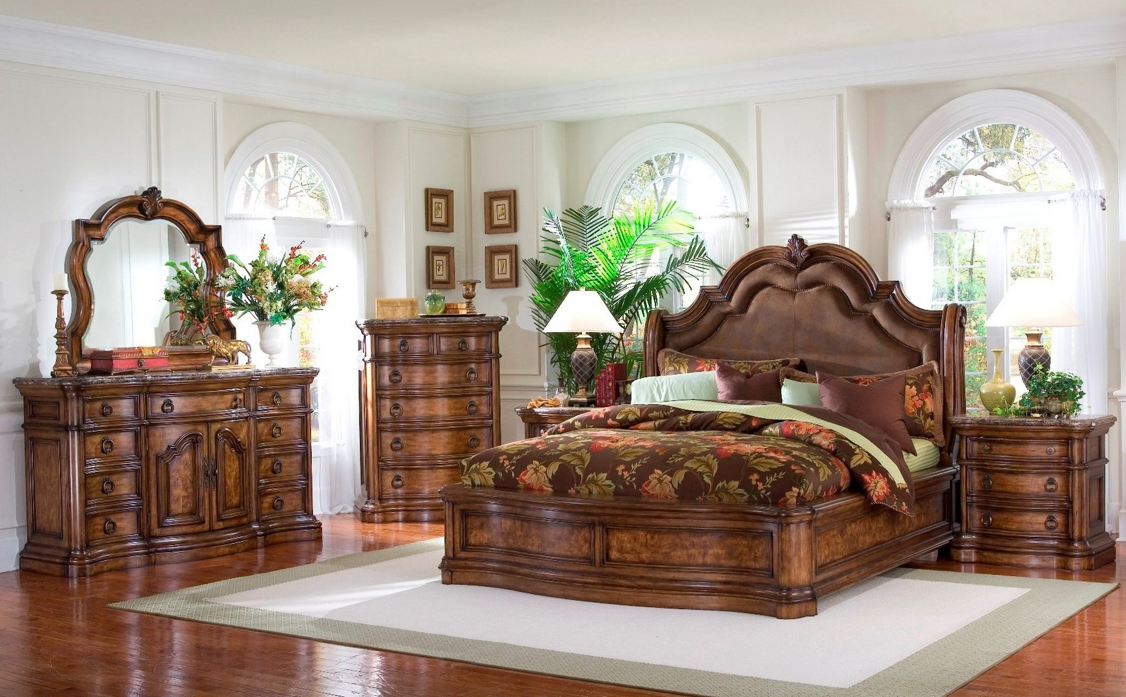 San Mateo Sleigh Bedroom Set from Pulaski 662170662171