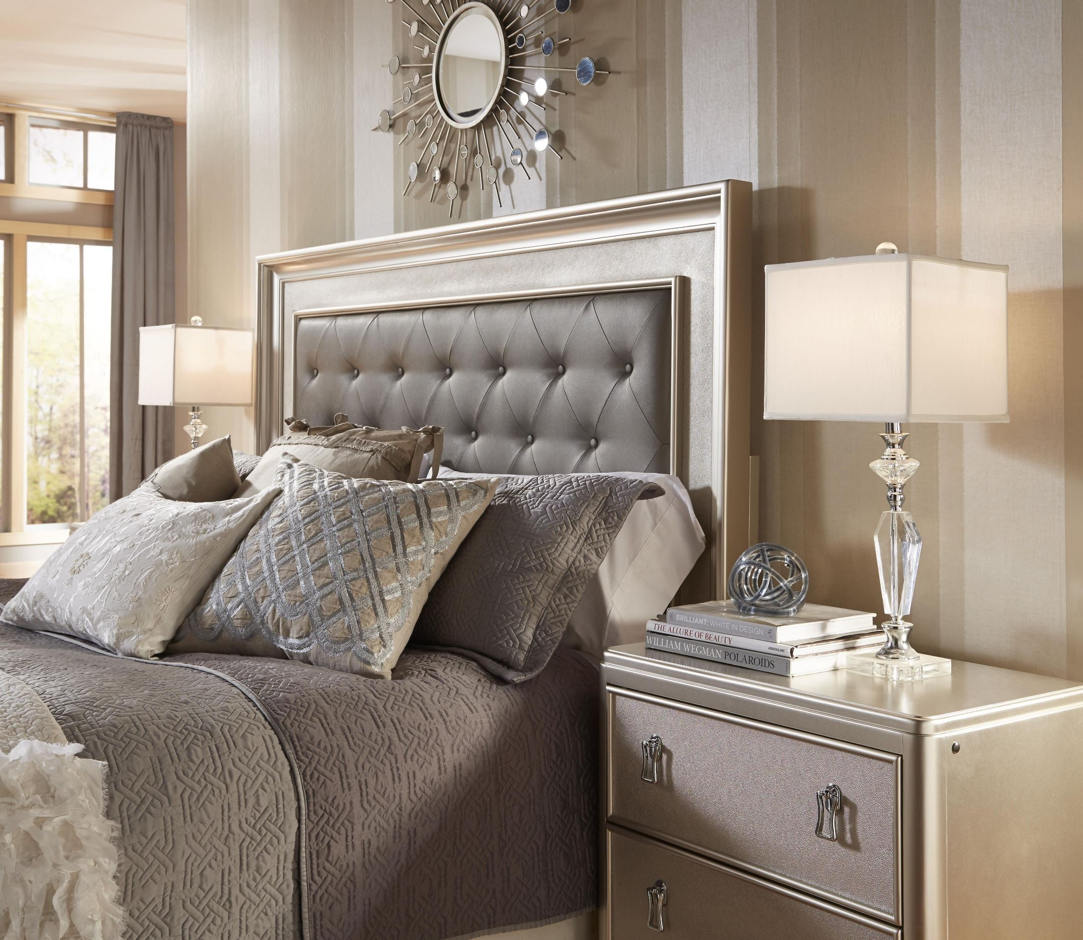 Diva Panel Bedroom Set from Samuel Lawrence 8808255257