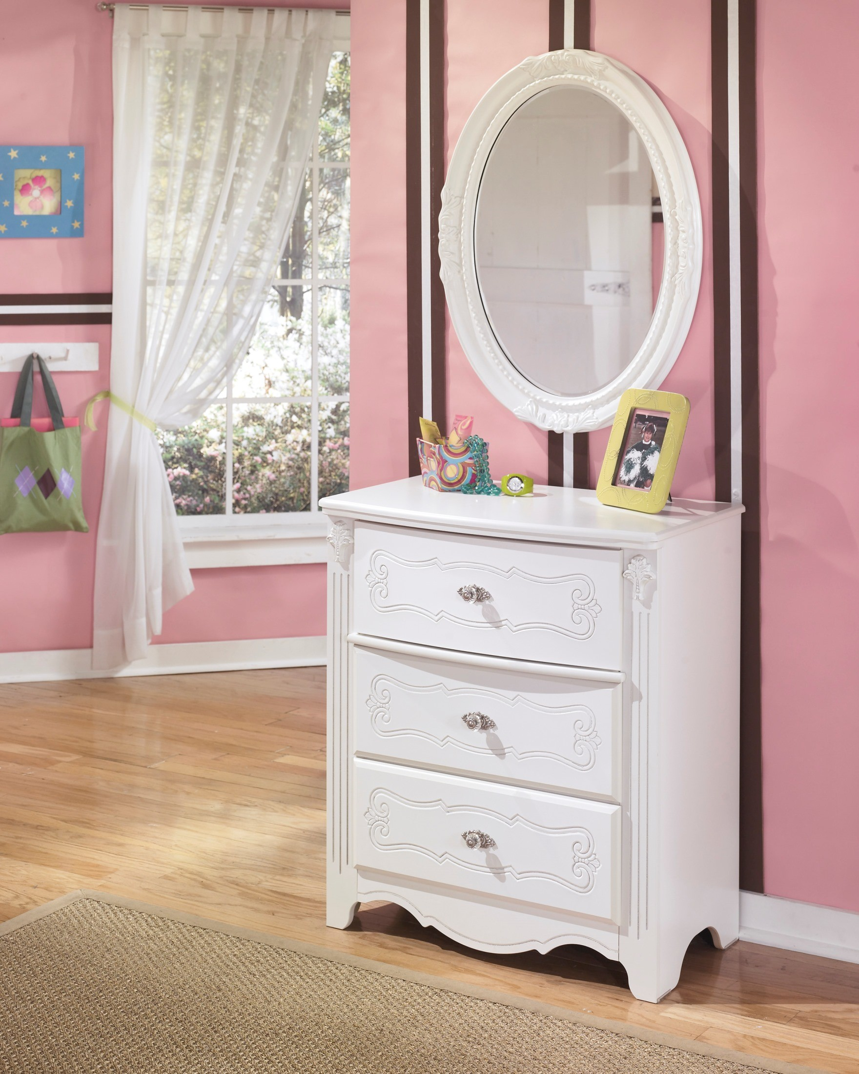 Exquisite Poster Bedroom Set from Ashley ASLB1887182N