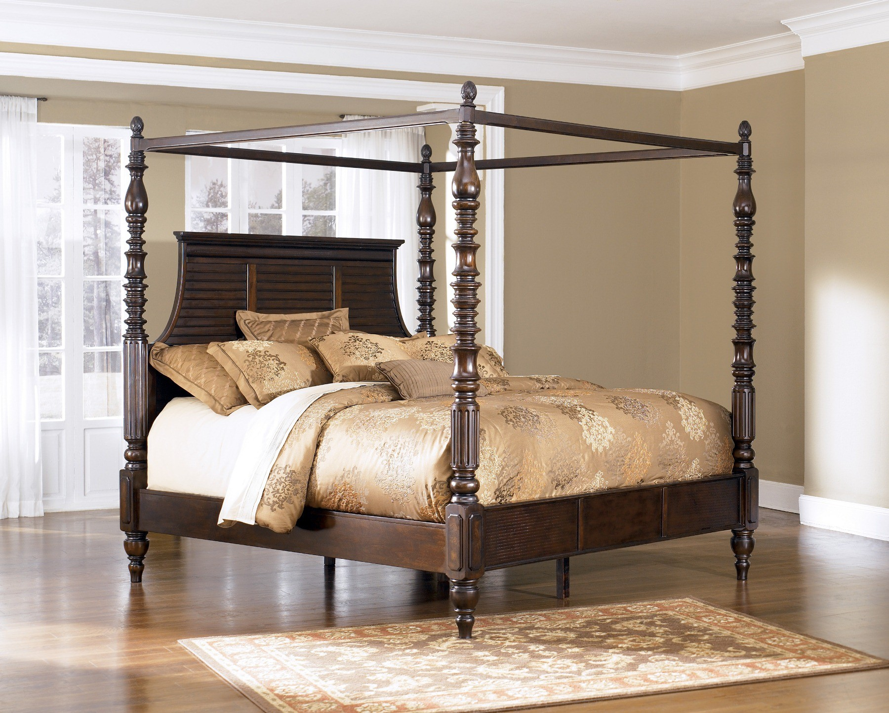 Ashley Furniture Key Town Poster Bed