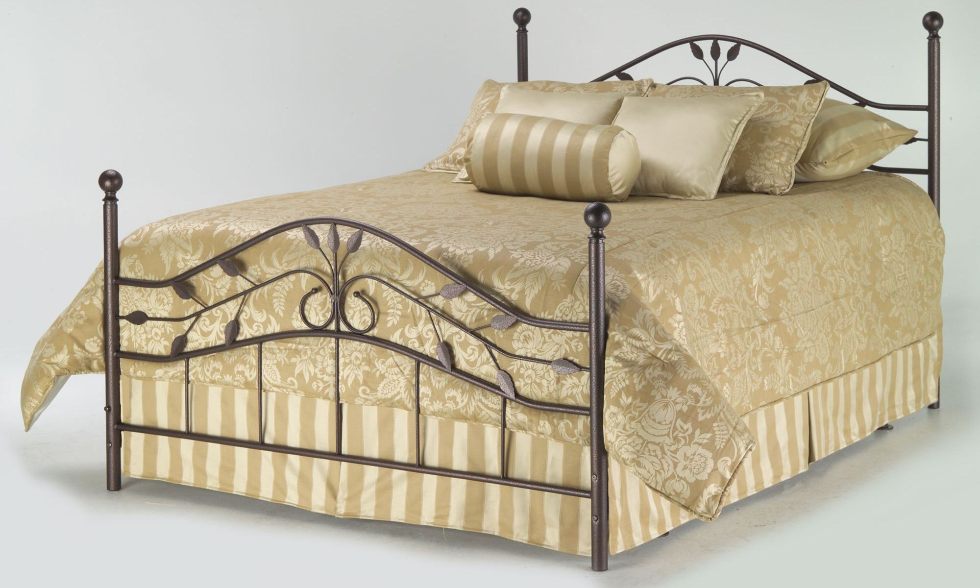 Sycamore Hammered Copper Queen Ornamental Poster Bed