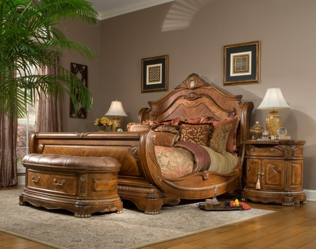 Sleigh Bedroom Set from Aico