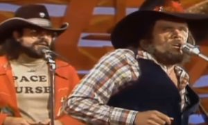 """Johnny Paycheck """"Take This Job And Shove It"""" On Hee-Haw"""