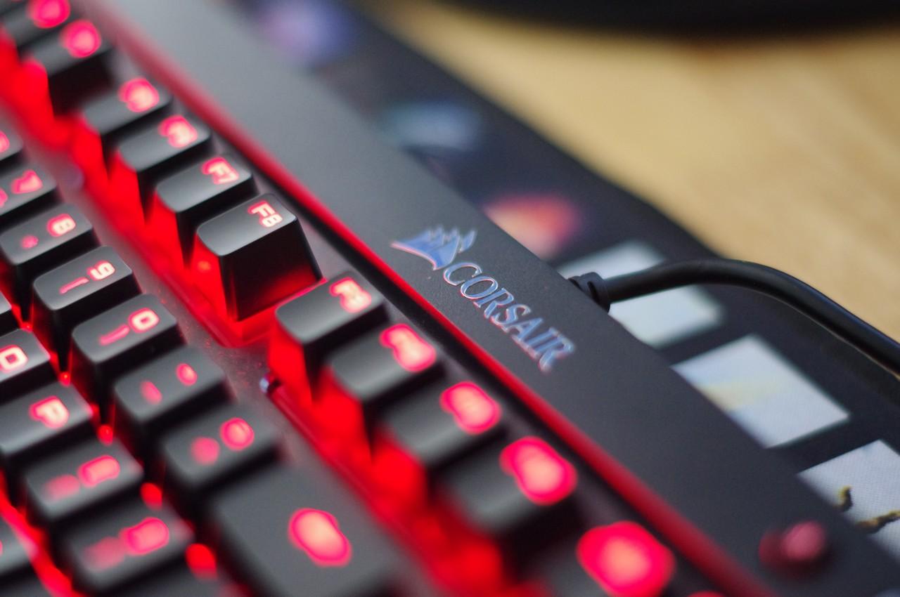 corsair-k68-danh-gia-gaming-gear-6