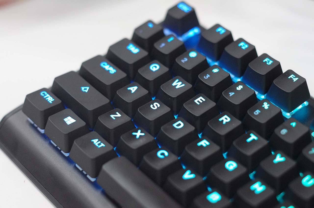 steelseries-apex-m750-danh-gia-gaming-gear-14