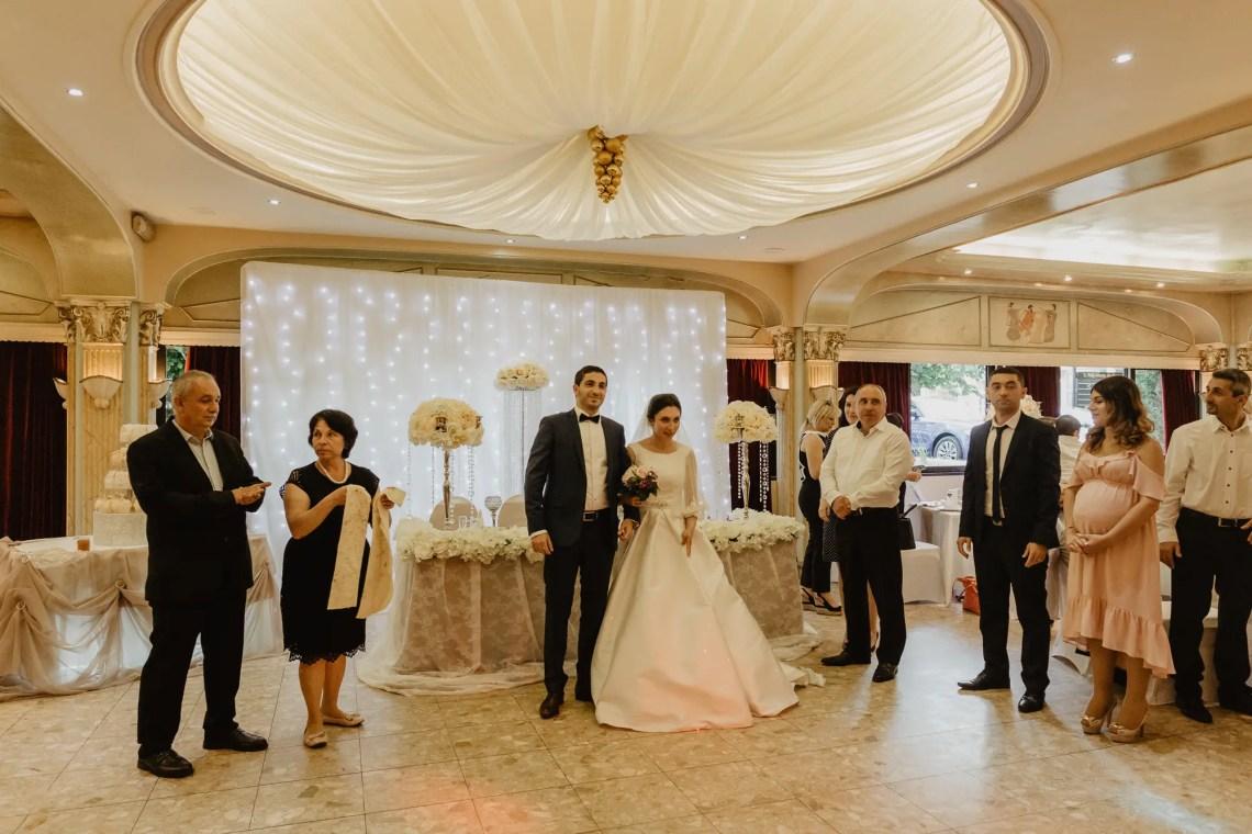 3Q1A6025 Un Mariage Arménien à Paris Weddings & Couples  armenian wedding Couple Photography in Paris eiffel tower elopement photography paris Mariage Arménien mariage photographe reportage mariage Wedding Photographer in Paris wedding reportage