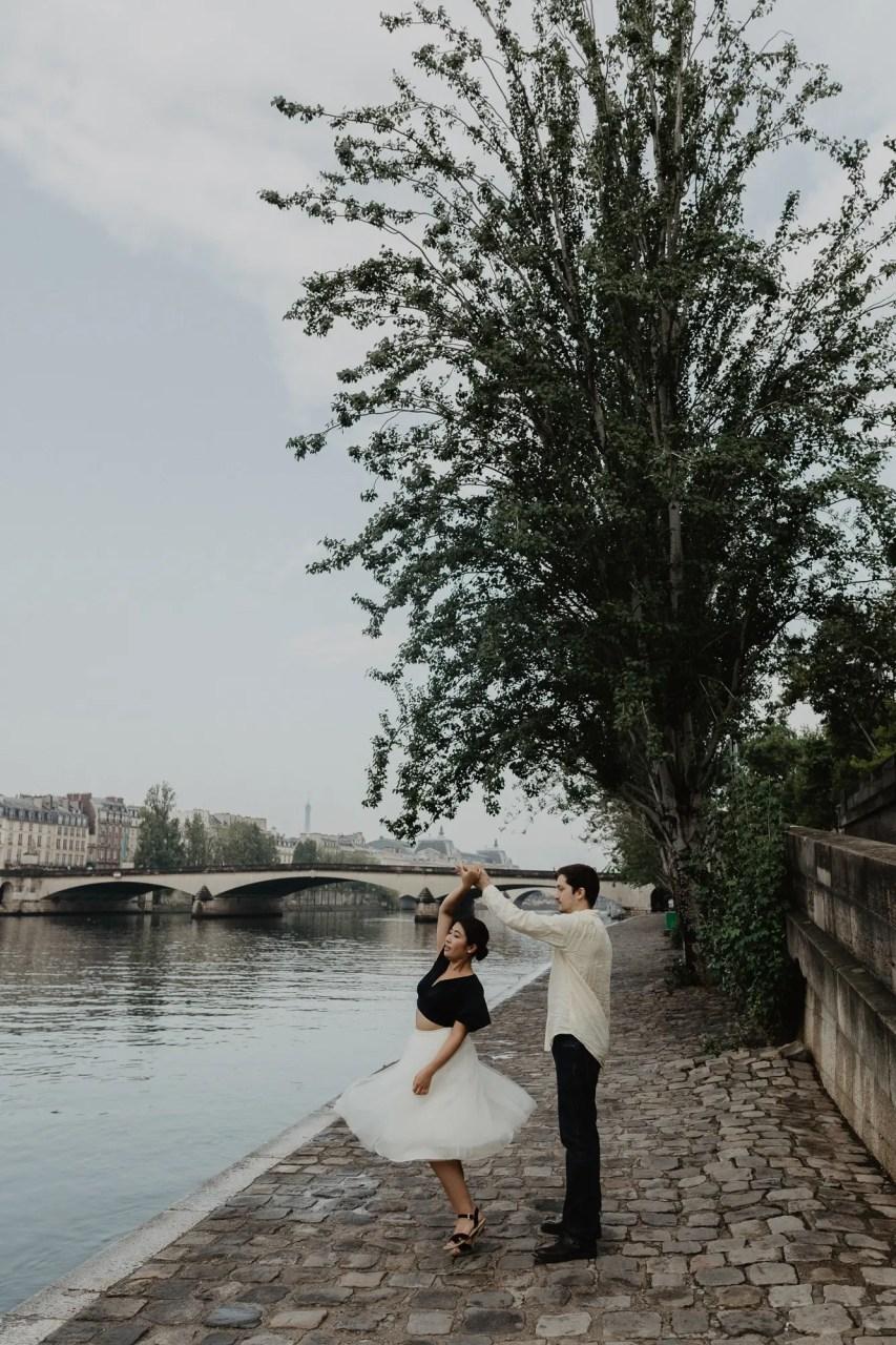 Dancing Couple photography Seine river Paris