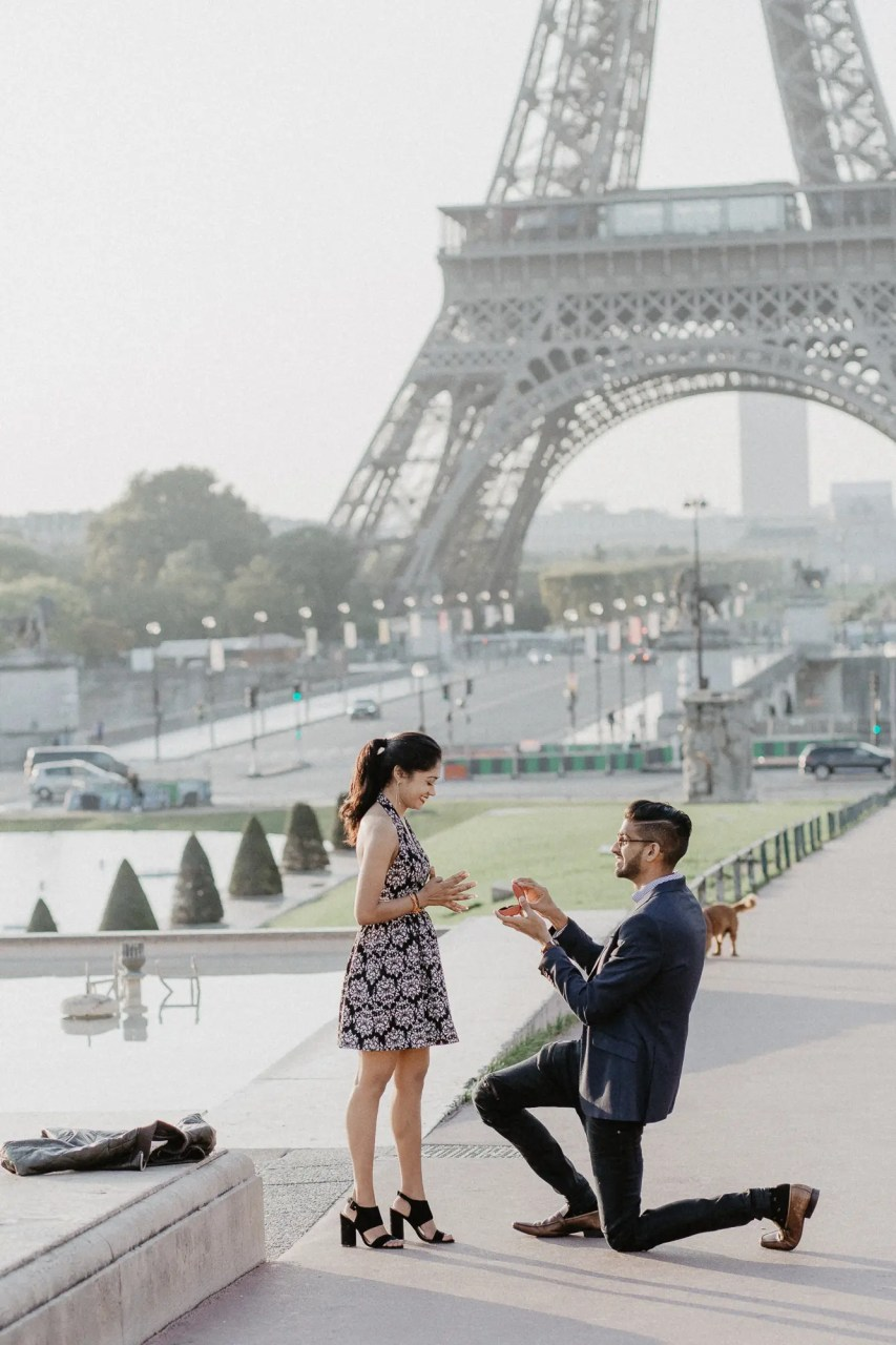 surprise proposal photography paris she said yes