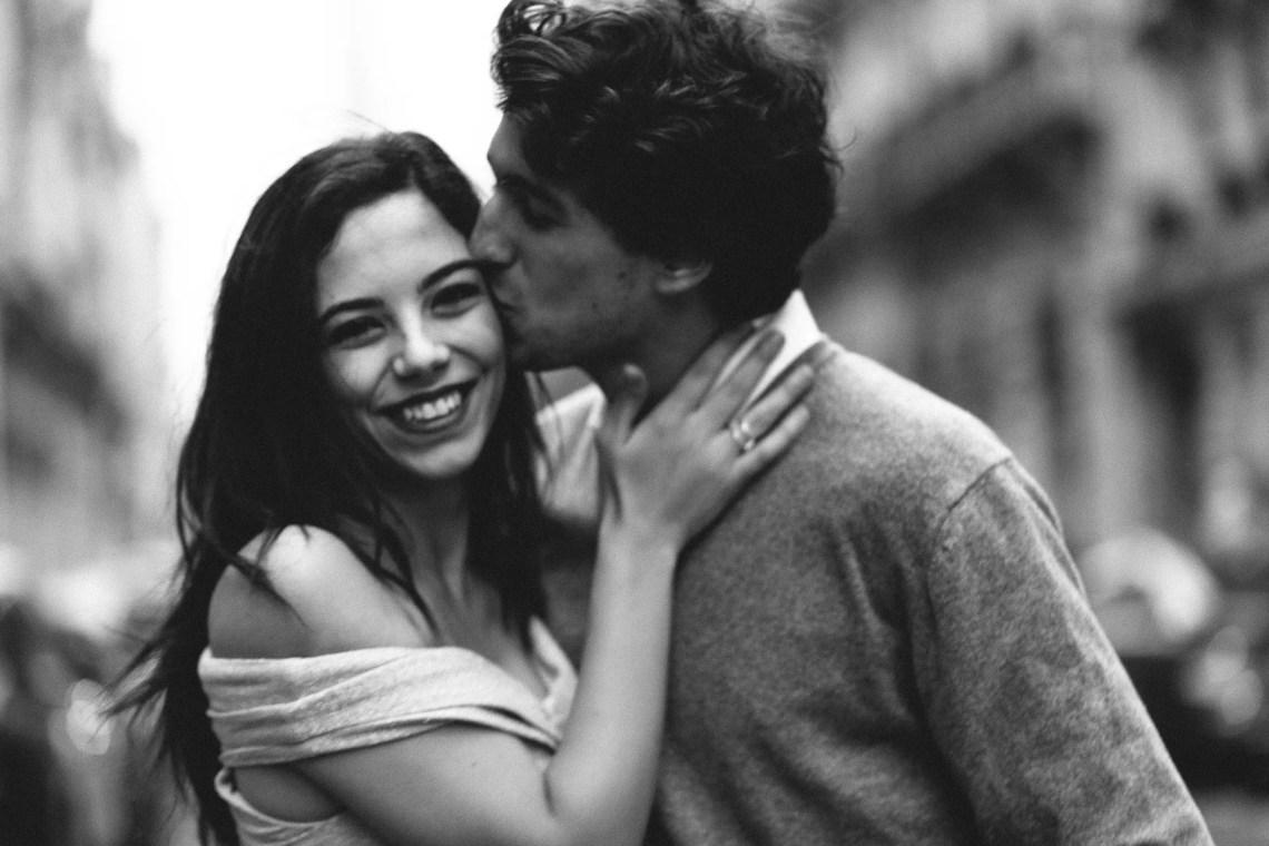 Couple black and white moody photo paris