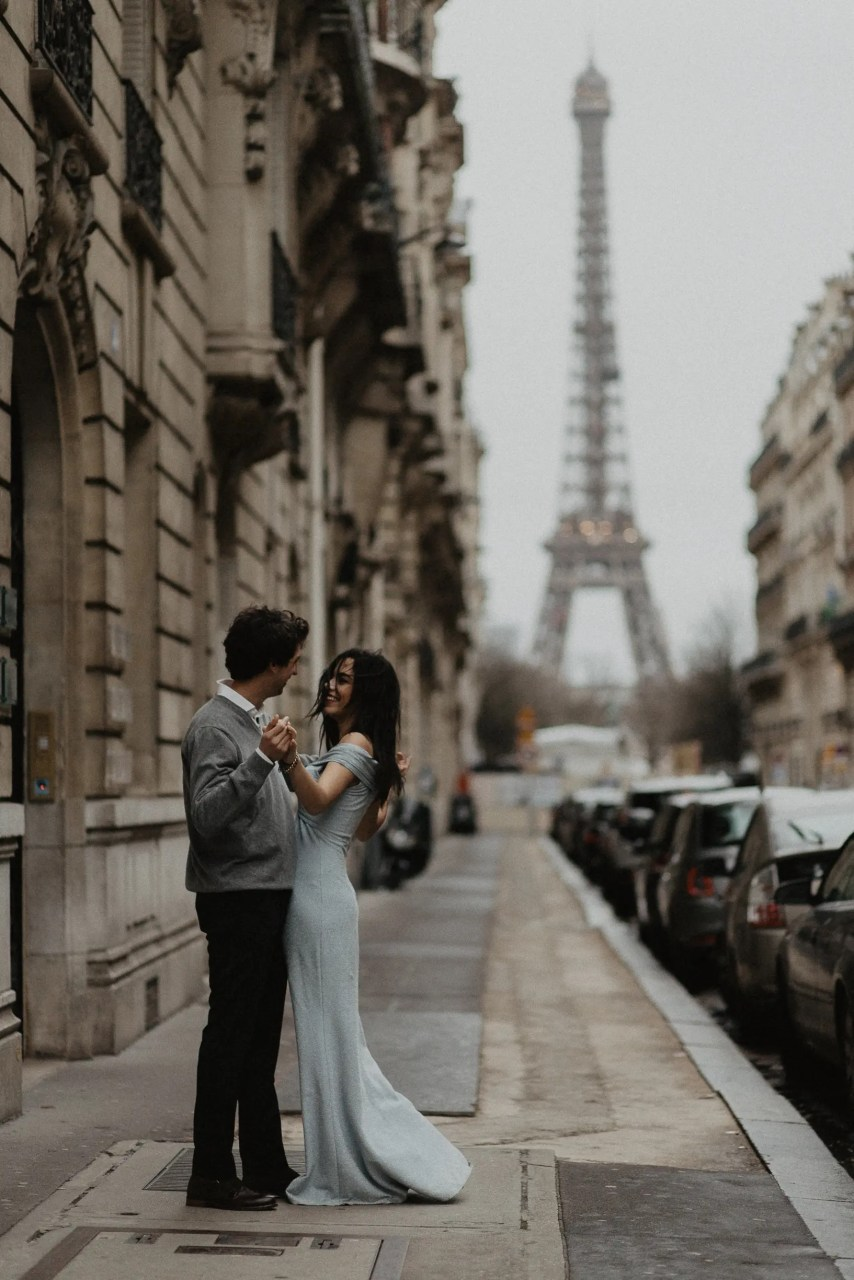 3Q1A1883 Loving from a long distance Weddings & Couples  Couple Photography in Paris eiffel tower elopement photography paris engagement photography feature italian couple italian photographer paris long distance relationship paris portrait paris