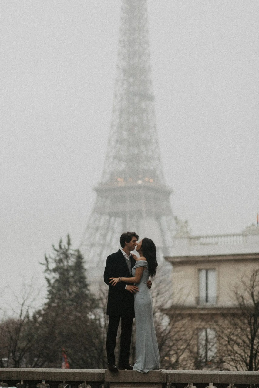 3Q1A2046 Loving from a long distance Weddings & Couples  Couple Photography in Paris eiffel tower elopement photography paris engagement photography feature italian couple italian photographer paris long distance relationship paris portrait paris