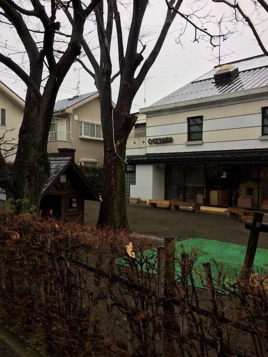 武蔵野市民以外は初回登録料が150円かかるので無料ではない