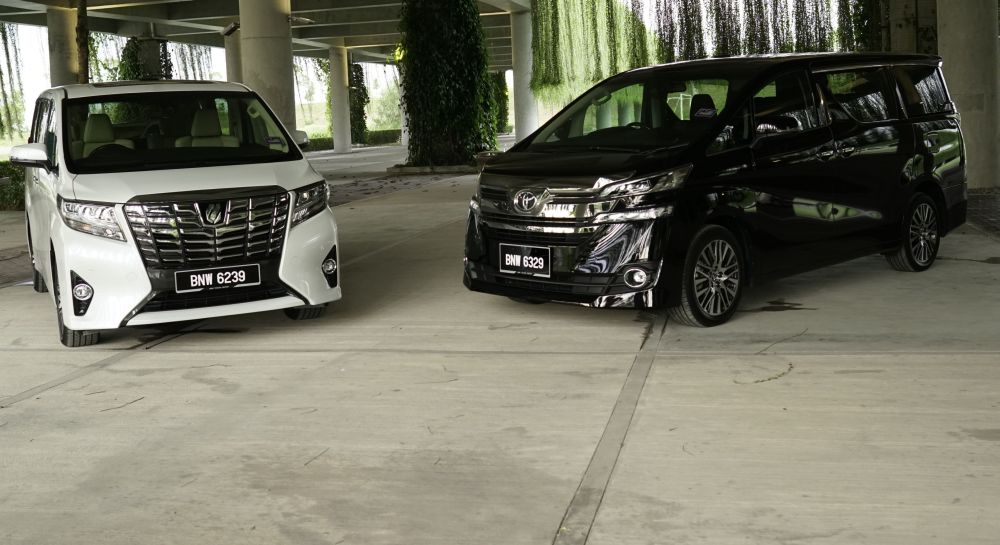 all new alphard vs vellfire camry toyota and compared carsifu