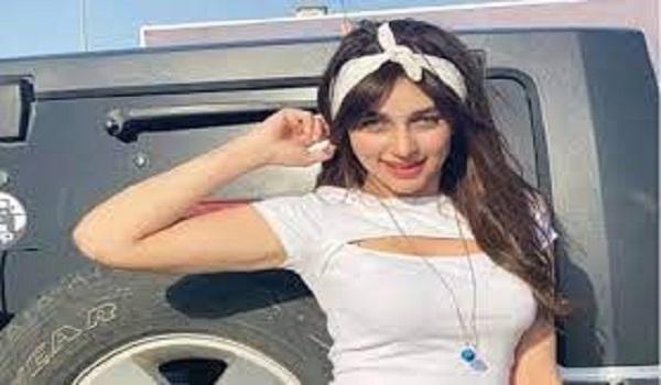 """بعد ريناد عماد.. حبس منار سامي وصديقها زيكا 4 أيام احتياطيا بسبب فيديوهات  """"تيك توك"""".. وهذه هي الاتهامات – درب"""