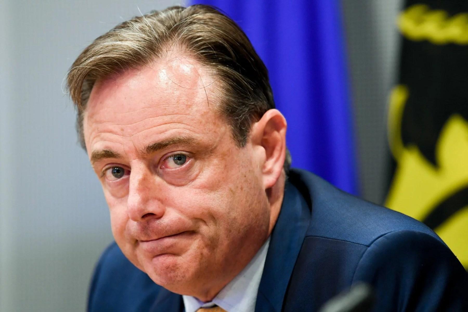 Attaques contre la presse et mensonges… et maintenant, Bart De Wever ?