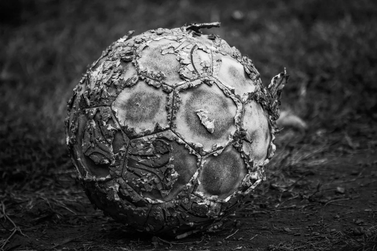 «Sale nègre», «macaque» : la face dévoilée du racisme dans les clubs de foot flamands