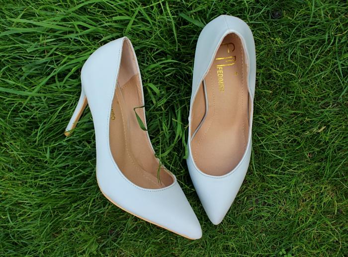 Shoe-tag