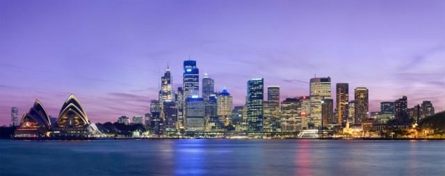 Sydney_skyline_at_dusk_-_Dec_2008
